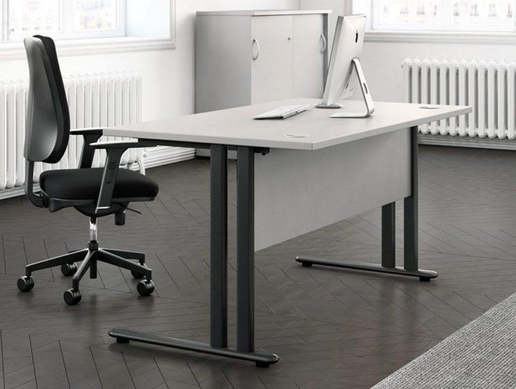 Straight Desk