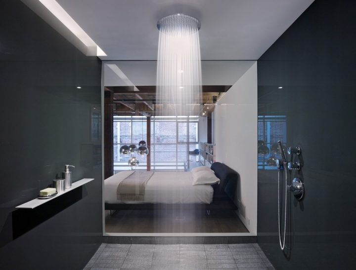 Doorless Shower in the Bedroom