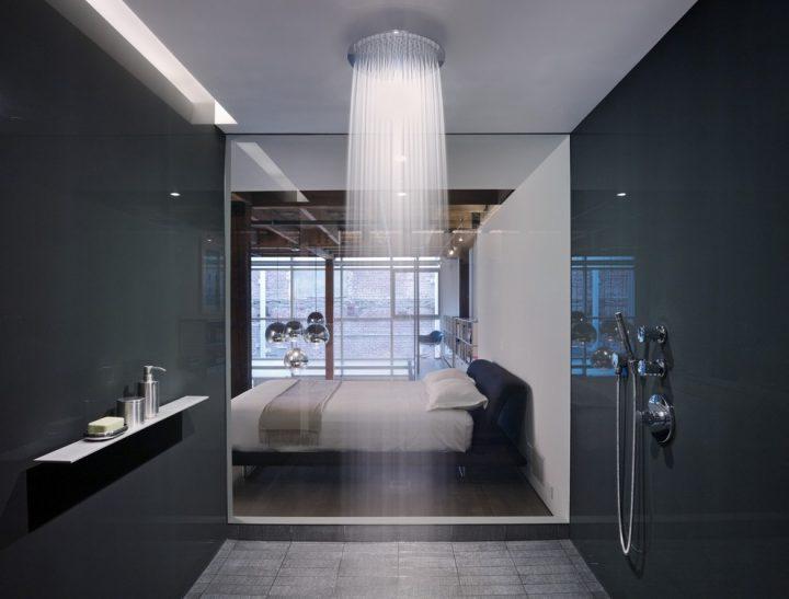 Doorless Shower in the Bedroom