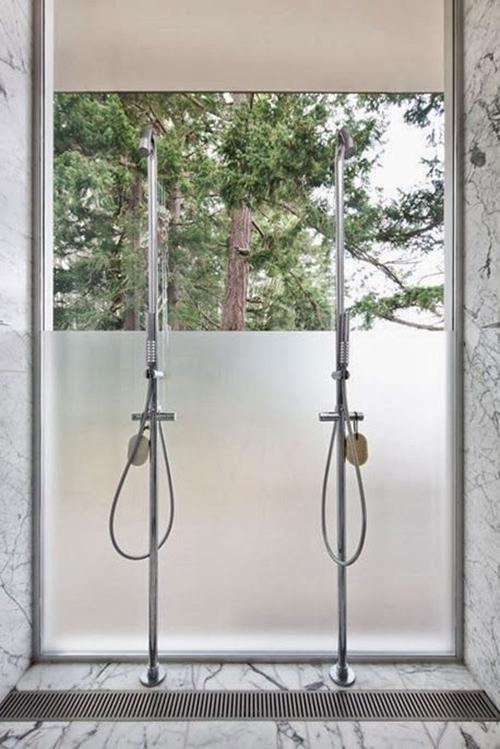 Doorless Shower with a View