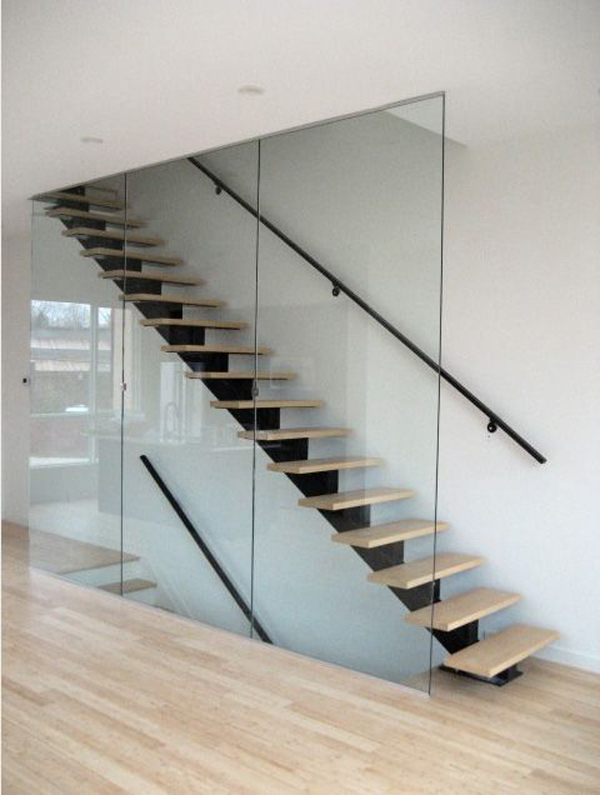 Floor to Ceiling Glass Panels as Stair Railing