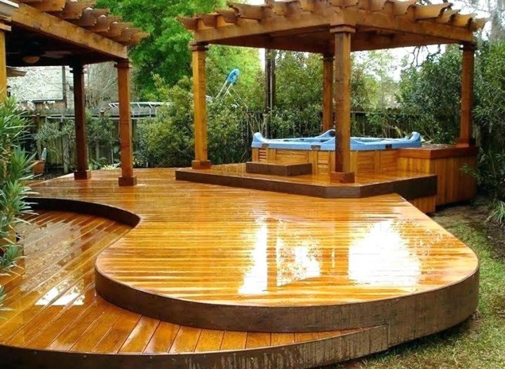 Hot Tub Under Gazebo on a Three-Levelled Deck