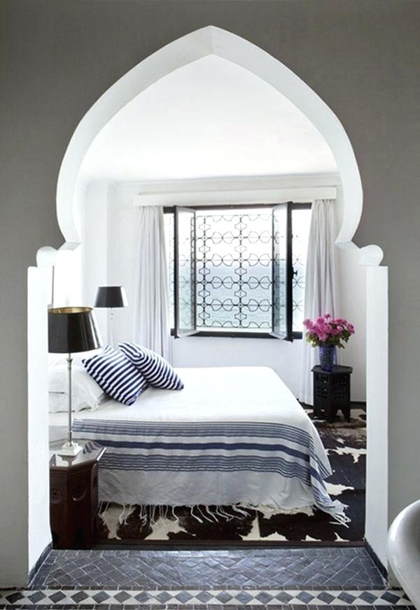Moroccan Bedroom Decor: Domed Archway Leading into Bedroom