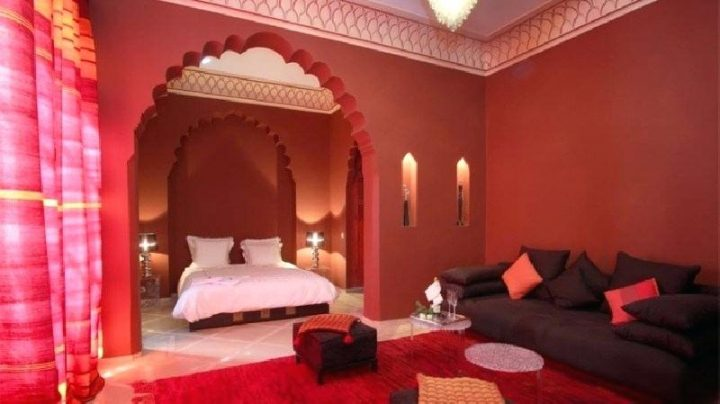 Moroccan Bedroom Decor: Red Bedroom With Arch