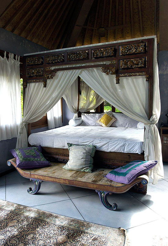 Moroccan Bedroom Decor: Four Poster Bed With Opened Curtains Tied to the Posts