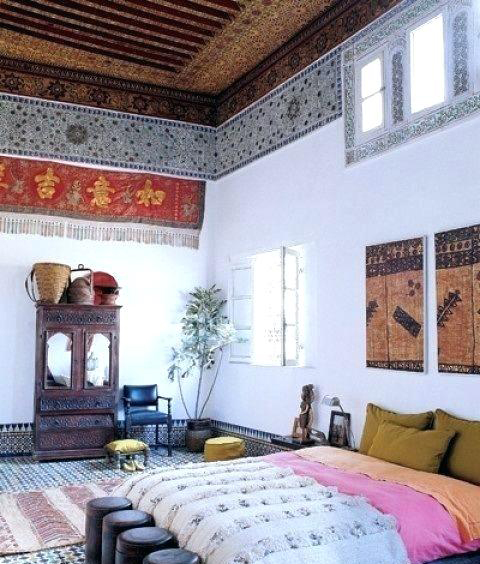 Moroccan Bedroom Decor: Patterned Tiles Lining Ceiling