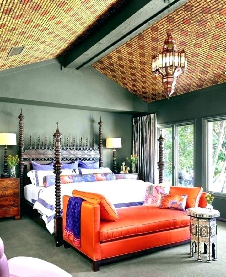 Moroccan Bedroom Decor: Tiled Ceiling that Conjures the Idea of Being in a Tent