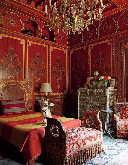 Moroccan Bedroom Decor: Red and Gold Bedroom