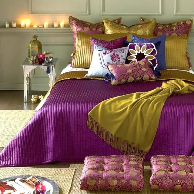 Moroccan Bedroom Decor: Bold Coloured Rich Fabrics