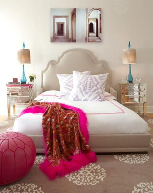 Moroccan Bedroom Decor: Pink Moroccan Pouf
