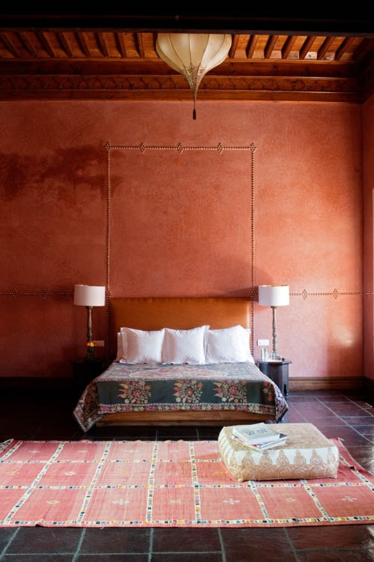 Moroccan Bedroom Decor: Square Ottoman