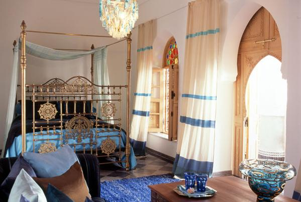 Moroccan Bedroom Decor: Beautiful Wooden Shutters in Arch Form