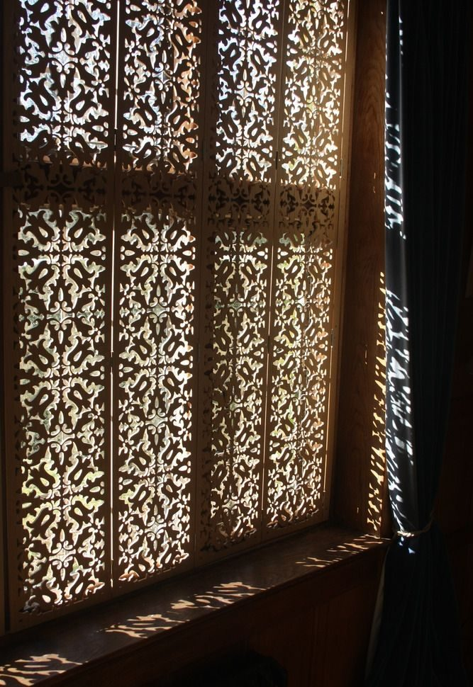Moroccan Bedroom Decor: Bespoke Window Shutters