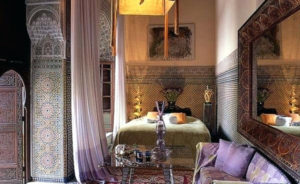 Moroccan Bedroom Decor: Patterned Tiles On Walls