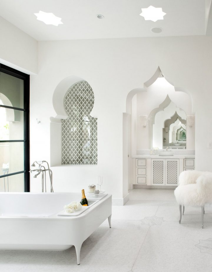 Moroccan Themed White Bathroom With Arched Tile Niche