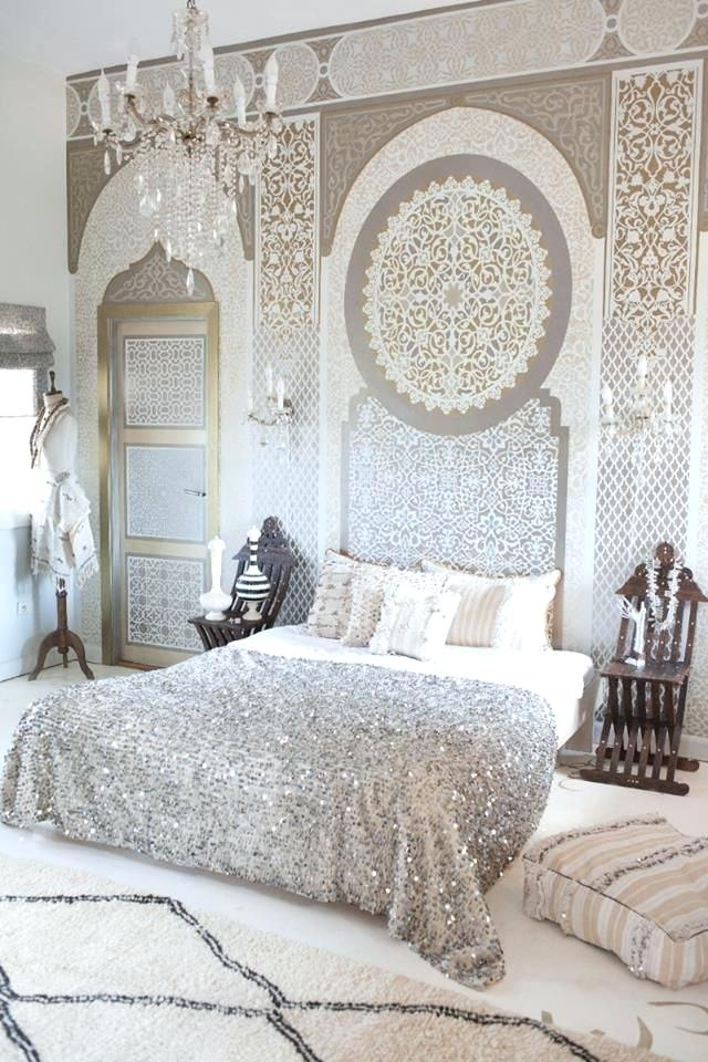 Moroccan Themed Bedroom with White, Silver and Light Beige Colour Scheme and Intricate Oriental Wallpaper