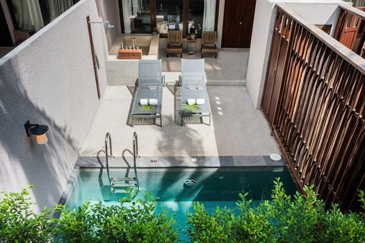 Plunge Pool and Sun Terrace As Substitute for a Backyard