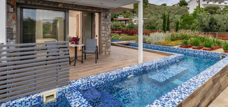 Plunge Pool Wrapping Around Two Sides of the House